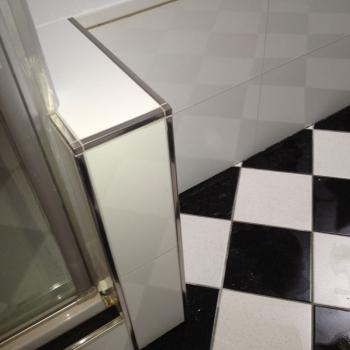 diagonale_vloertegel_badkamer