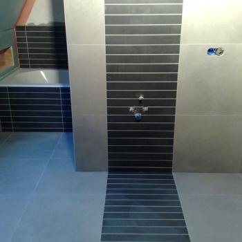 doorlopende_voeg_tegelwerk_badkamer